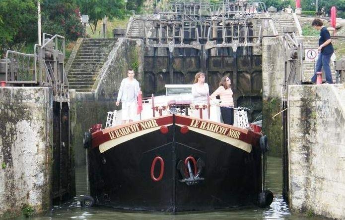 house boat in key